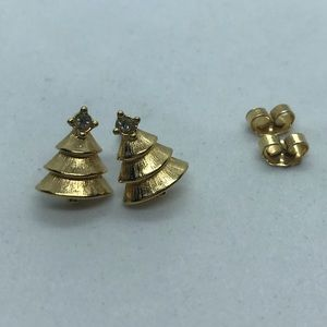 Brushed gold tone Christmas tree stud earrings